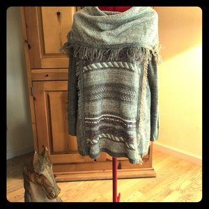Knox Rose long sweater sz S